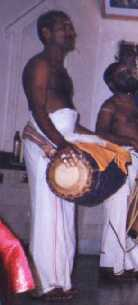 Kalanilayam Rajan performing on Maddalam