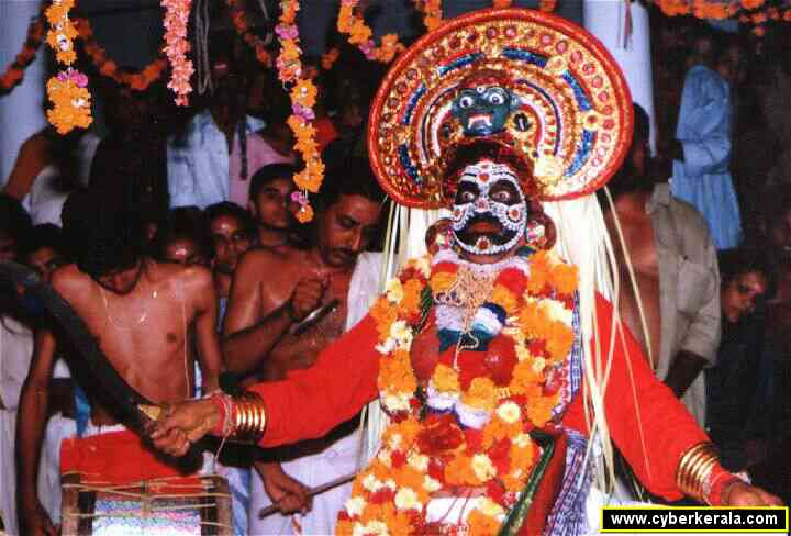 Theeyattu Performance